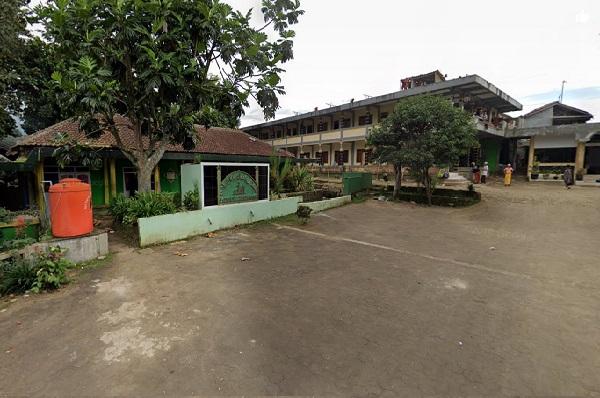 Pesantren Riyadul Aliyah Cisempur, Caringin Bogor
