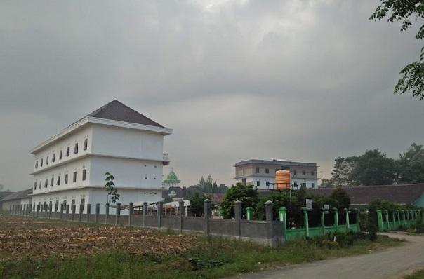 Pesantren Hidayatul Mubtadiin Jati Agung Lampung Selatan