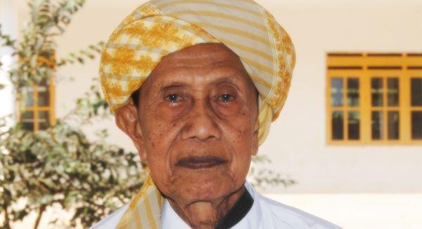 Biografi KH. Syarfuddin Abdus Shomad Sumenep