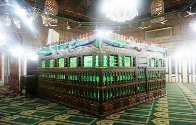 Menakjubkan, Ini Kisah Imam Al-Syafi'i Saat Belajar kepada Sayidah Nafisah